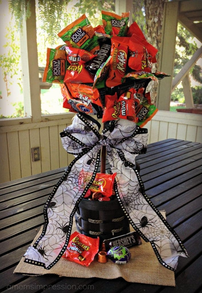 DIY Halloween Candy Topiary