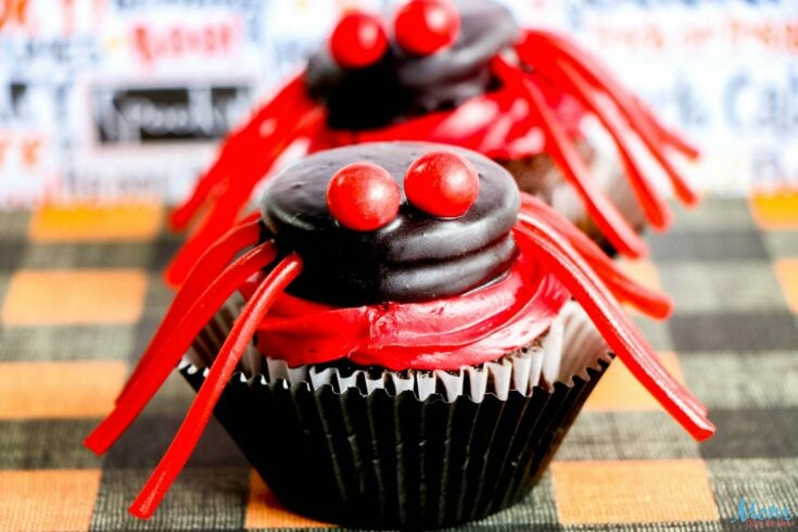 Make these Easy Spider Cupcakes for a Scary Good Treat!