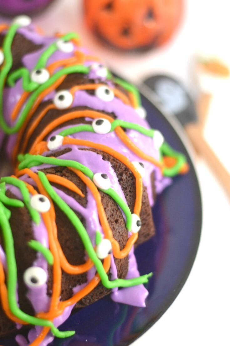 The Easiest Halloween Cake Ever